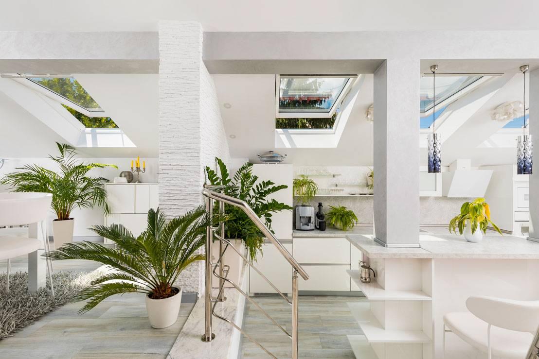 кухня, озаряване, дневна светлина, кухня в мансардата
